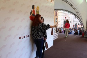 Eurochocolate 2016. Maxi Choco Selfie Stick: tutti i giorni dalle 10 alle 20 (sabato fino alle 23) in Piazza IV Novembre. © Eurochocolate